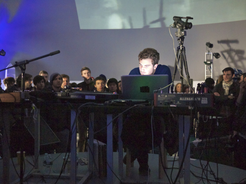 p1040967 Live Review: Nicolas Jaar at NYCs Music Hall of Williamsburg (2/3) and Museum of Modern Arts PS1 (2/5)