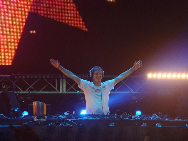 armin van buuren sunday mai Festival Review: CoS at Ultra Music 2012