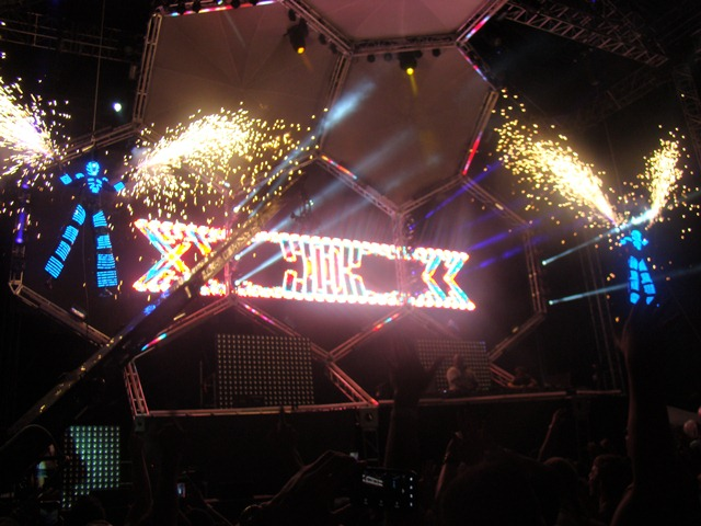 carl cox saturday caccoon Festival Review: CoS at Ultra Music 2012