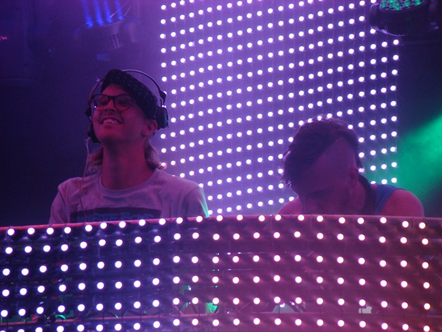nobody beats the drum close up friday worldwide stage Festival Review: CoS at Ultra Music 2012