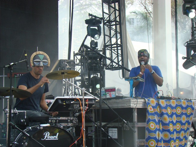 sbtrkt sunday live stage Festival Review: CoS at Ultra Music 2012