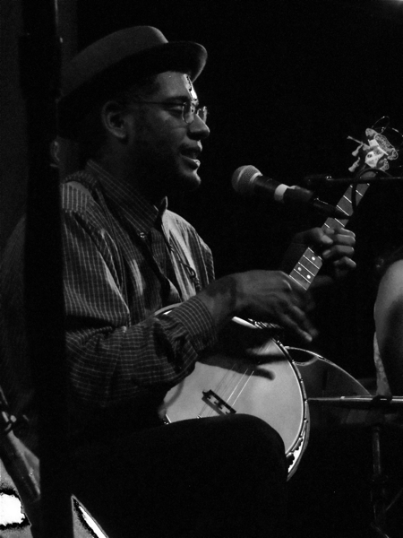 carolina chocolate drops 02 Live Review: Carolina Chocolate Drops at Chicago's Lincoln Hall (5/5)