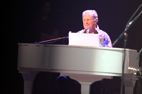 cos beach boys 8 Live Review: The Beach Boys at The Chicago Theatre (5/21,22)