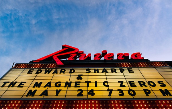 es 1 e1337956005233 Live Review: Edward Sharpe and the Magnetic Zeros at Chicago's Riviera Theatre (5/24)