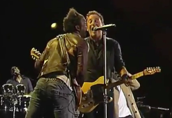 "bruce the roots Video: Bruce Springsteen and The Roots perform ""E Street Shuffle"" at Roskilde"