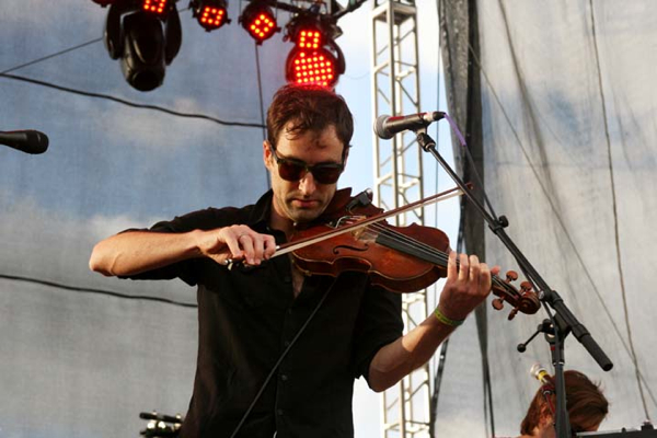 andrewbird3 Andrew Bird announces annual Gezelligheid performances for NYC and Chicago