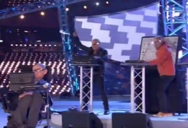 Orbital performs Where is it Going? with Stephen Hawking at Paralympics Opening Ceremony