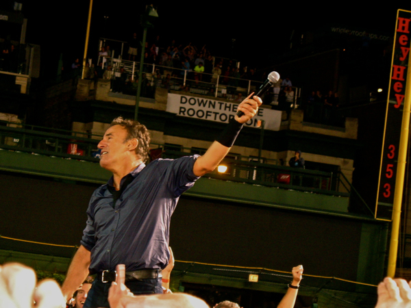 bruce wrigley 9 Live Review: Bruce Springsteen at Chicagos Wrigley Field (9/7)