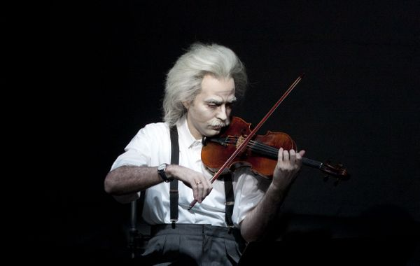 einstein lucie jansch Live Review: Einstein on the Beach at Brooklyn Academy of Music (9/19)