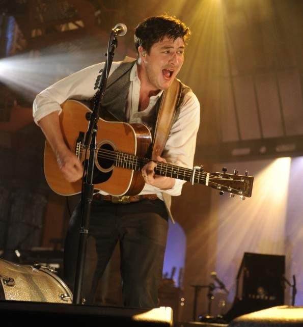 mumford letterman e1348717189114 Mumford and Sons announce arena shows