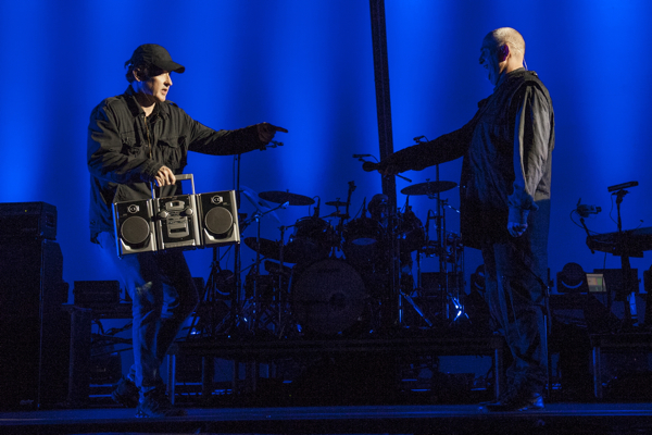 petergabriel youreyes Video: Peter Gabriel, John Cusack, and a boombox perform In Your Eyes