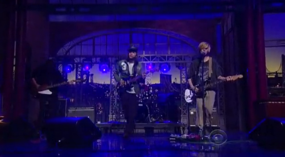 screen shot 2012 12 14 at 12.11.55 am e1355465642709 Video: DIIV on Letterman