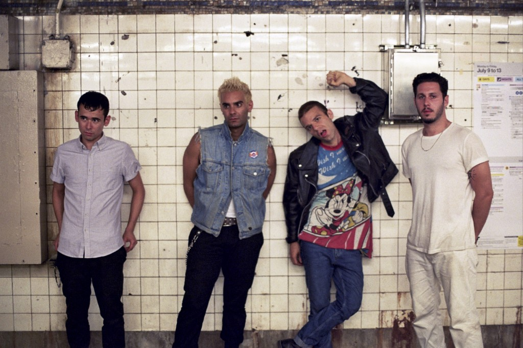 6752   3 2062 1024x682 New Music: The So So Glos   Diss Town