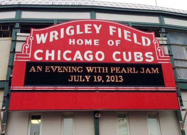 pearl jam chicago e1358957415482 Pearl Jam will play Chicagos Wrigley Field