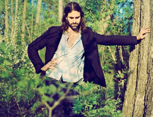 andrew wyatt miike snow 600 e1361283247972 Miike Snows Andrew Wyatt announces solo debut, listen to new single And Septimus...