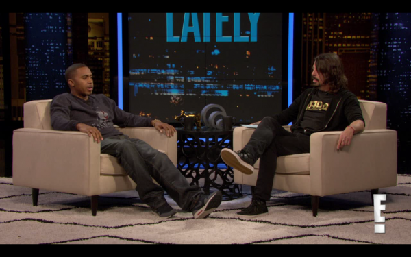grohl nas e1360162192307 Watch Dave Grohl interview Nas on Chelsea Lately