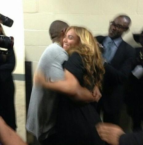 tumblr mhoc75ngne1rqfqqko1 500 e1359948301139 Video: Beyoncés Super Bowl Halftime performance, featuring a Destinys Child reunion