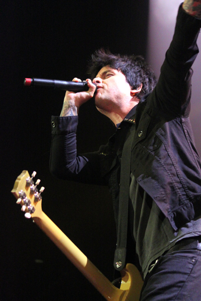 green day kaplan 25 Live Review: Green Day, Best Coast at Chicagos Allstate Arena (3/28)
