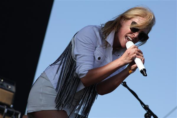 metric4-coachella2013-maider (Custom)