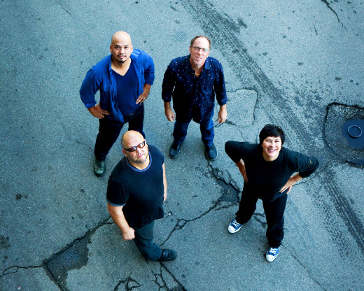 pixies Kim Deal quits the Pixies