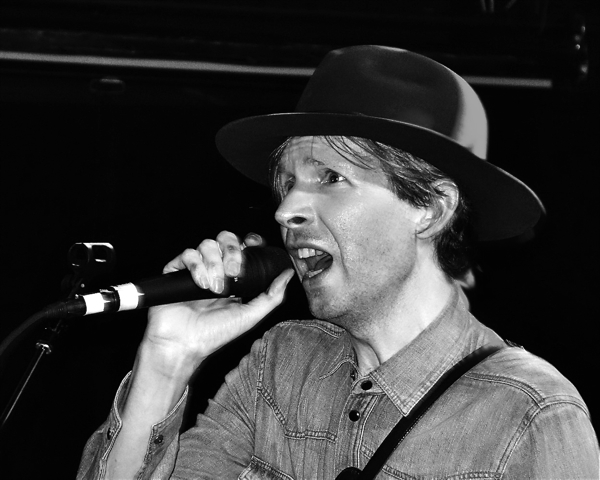 beckzachschon Live Review: Beck at New Yorks (Le) Poisson Rouge (7/26)