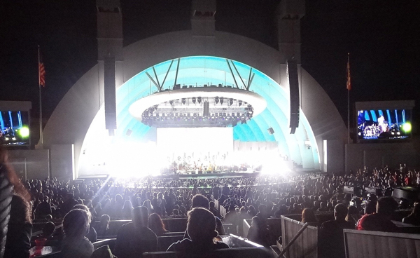 edsharpe600hodges3 Live Review: Edward Sharpe and the Magnetic Zeros at LAs Hollywood Bowl (8/4)
