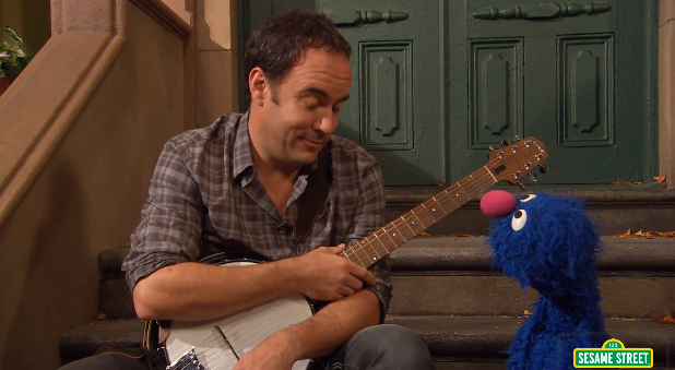 dmbonsesame Dave Matthews appears on Sesame Street, duets with Grover