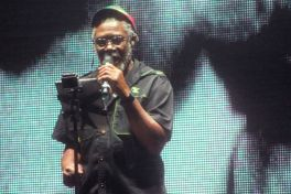 massiveattack4 Live Review: Massive Attack V Adam Curtis at New Yorks Park Avenue Armory (9/28)