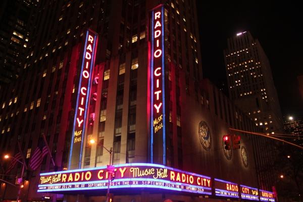 radiocity1 Live Review: The xx, Poliça at New York Citys Radio City Music Hall (9/23)