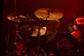 kingsofleonbachrodt13 Kings of Leon return to Chicagos House of Blues (10/2)