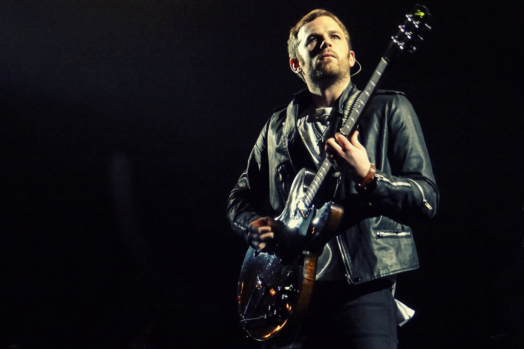 caleb followill kings of leon 13042030613 l Live Review: Kings of Leon, Gary Clark Jr. at Chicagos United Center (3/8)