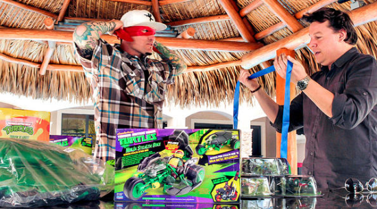 toy hunter vanilla ice Here are your favorite musicians strangest hobbies