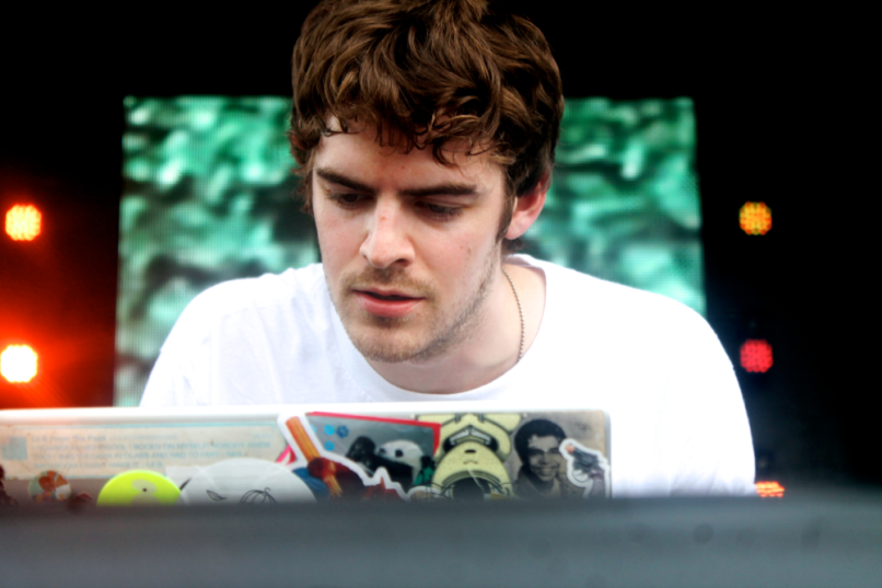 Ryan Hemsworth 1 Mon Moog