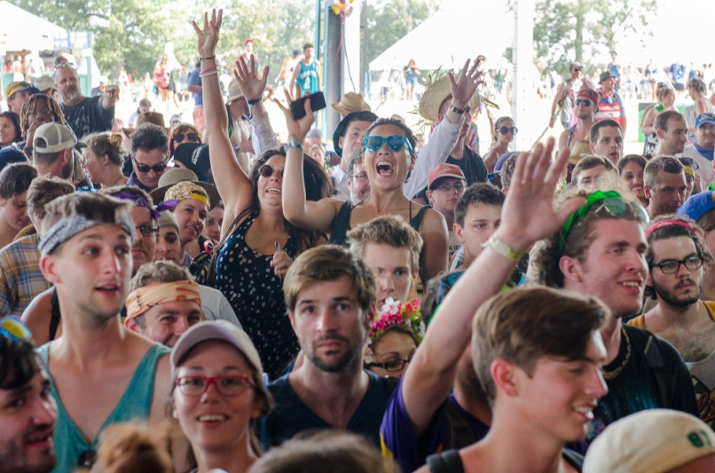 Crowd-BenKaye-Bonnaroo2014-1
