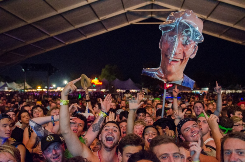 Crowd-BenKaye-Bonnaroo2014-15