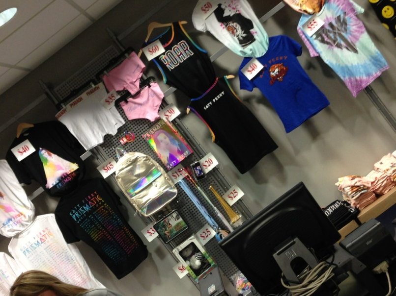katy merch Live Review: Katy Perry at Chicagos United Center (8/7)
