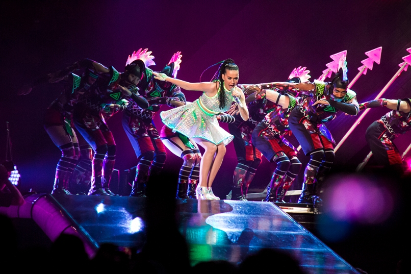 katyperrybachrodt8 Live Review: Katy Perry at Chicagos United Center (8/7)