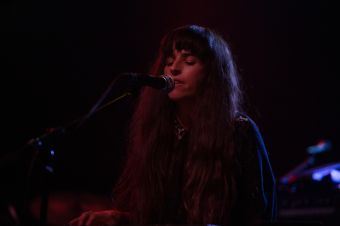 R.L. Kelly performing w/Foxes in Fiction // Photo by Philip Cosores