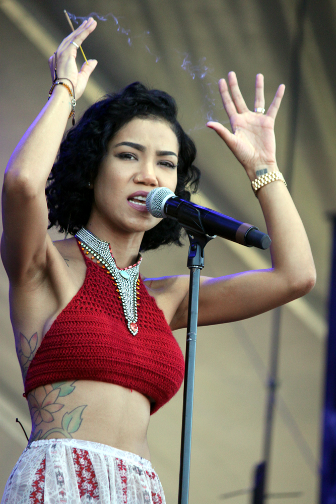 kaplan cos acl sunday1 jhene aiko 10 Austin City Limits 2014: Top 25 Moments + Photos