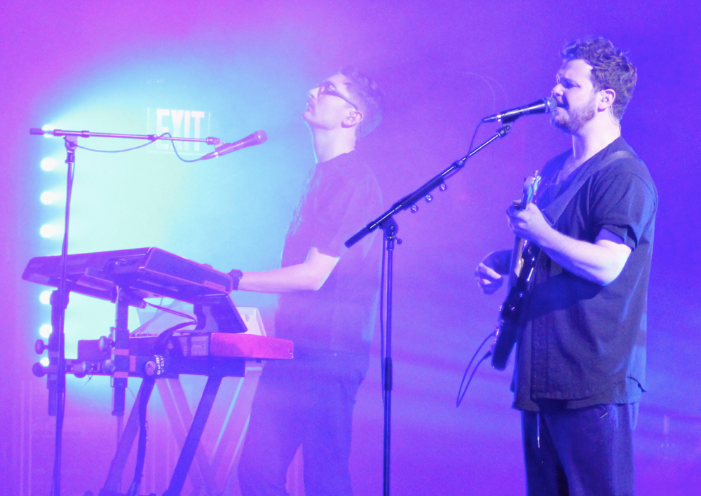 alt j plump 2 Live Review: Alt J at New Yorks Beacon Theater (11/16)