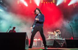 dh-voodooexperience-Foo Fighters-110214-0916