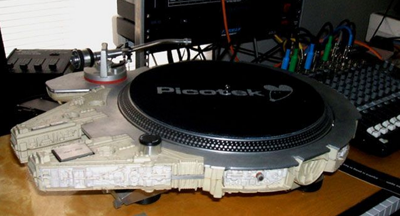 Falcon turntable