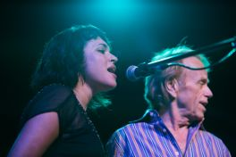 Norah Jones and Al Jardine // Photo by Philip Cosores