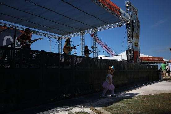 Gasparilla_21_Margot and the Pricetags