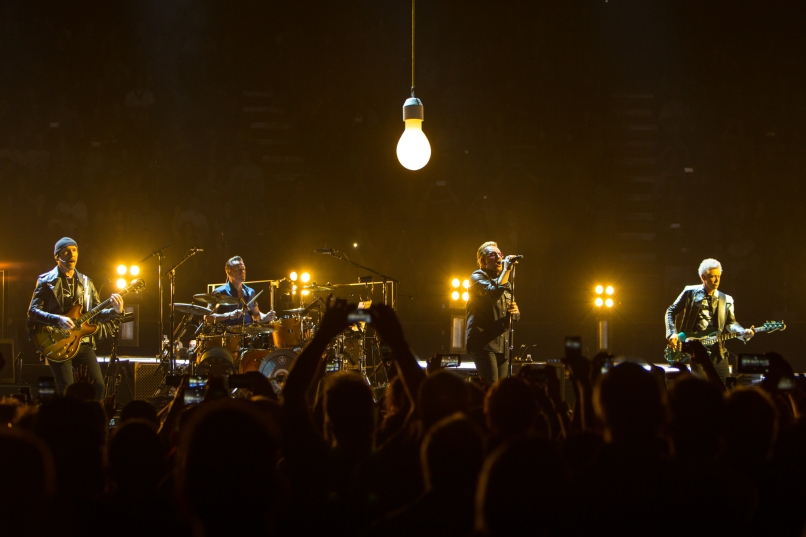 Live Review: U2 at Los Angeles' Forum (5/26) | Consequence