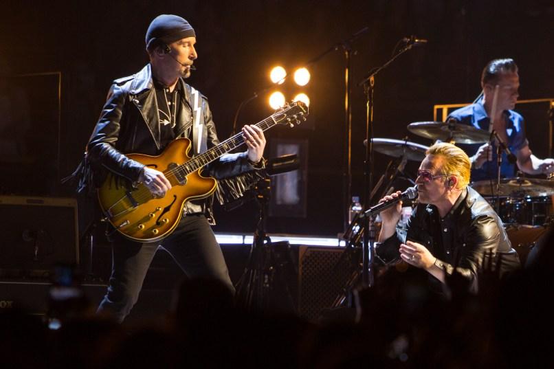 12-U2_Cosores