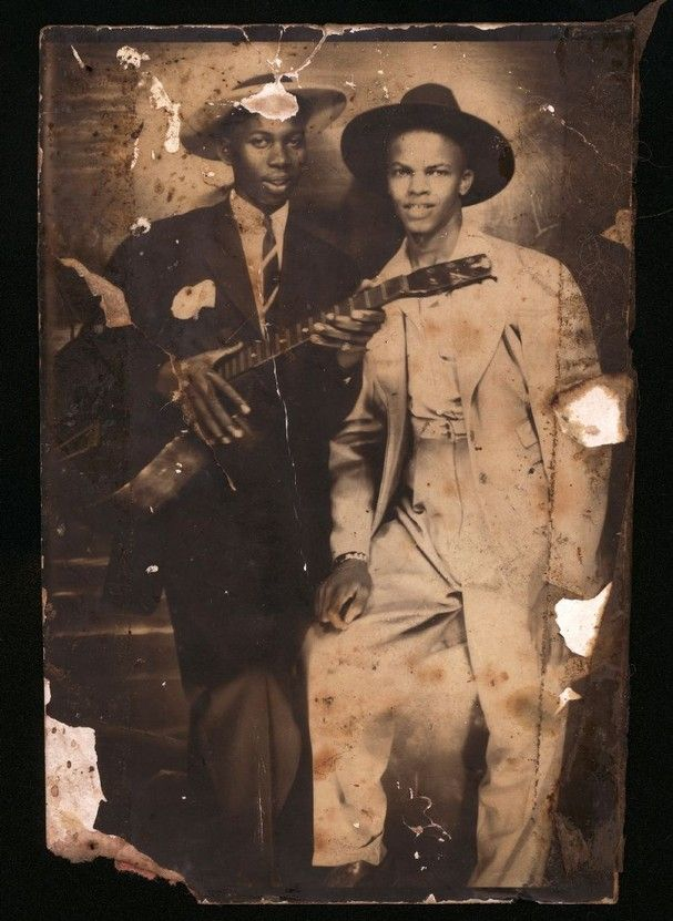 1998112223f4dcac7940bb2064b60a36 Experts say purported photo of blues legend Robert Johnson is fake