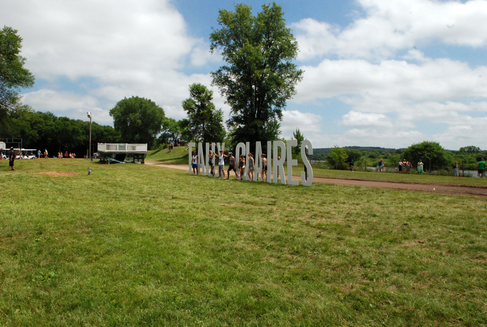 Festival Grounds Eaux Claires Sign_Amanda Roscoe Mayo_2