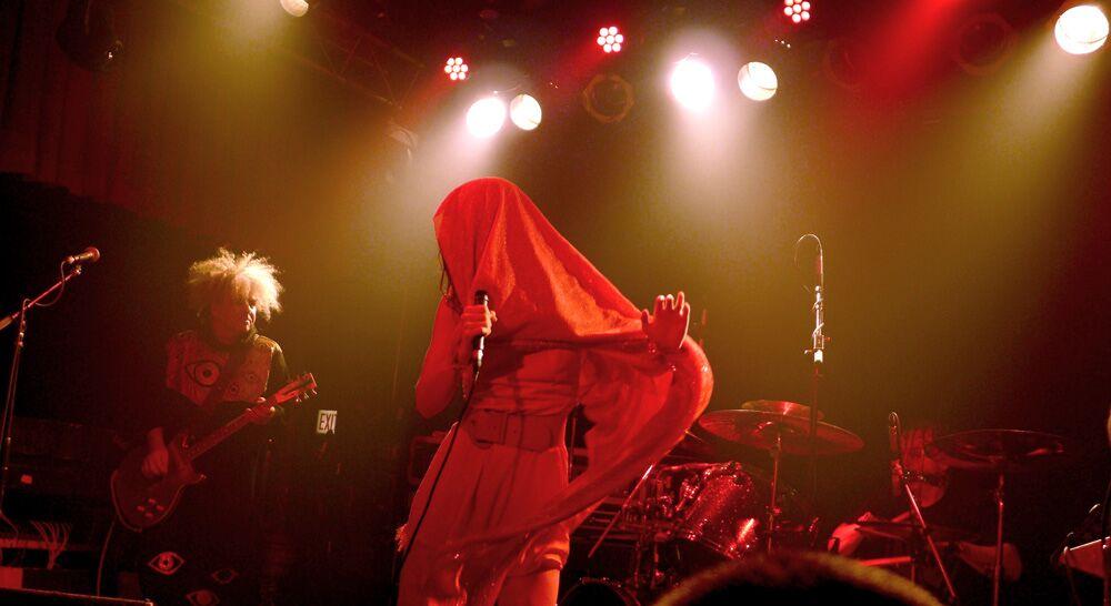 Melvins and Teri Gender Bender // Photo by Sasha Geffen