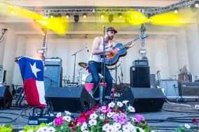 Shakey Graves // Photo by Philip Cosores
